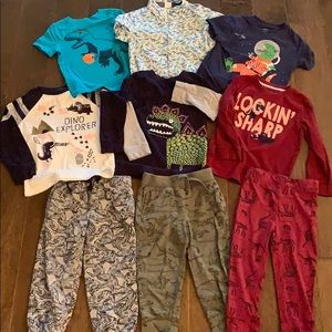 Boys 3T Dinosaur bundle!! 🦕🦖